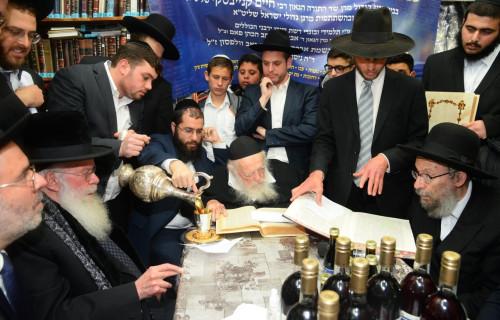 Siyum-by-Rabbi-Chaim-Kaniewsky.3-jpg