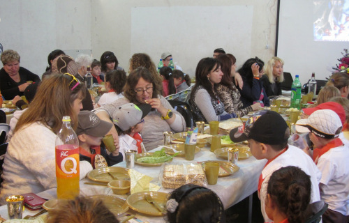Parents-Students-Pesach-Seder